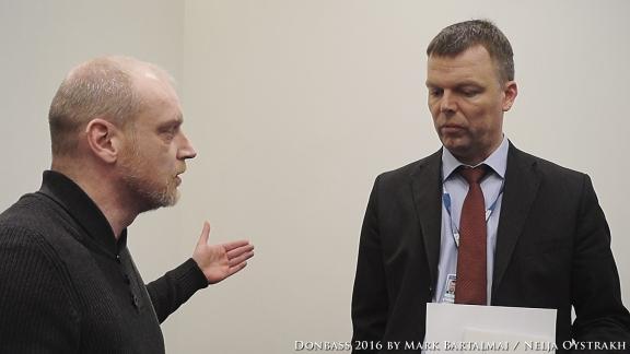 Mark Bartalmai im Gespräch mit Alexander Hug (OSZE)